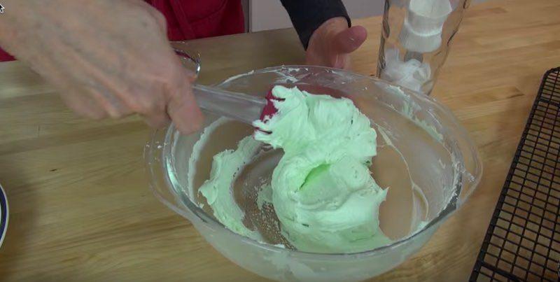 Chocolate Mint Buttercream (green)