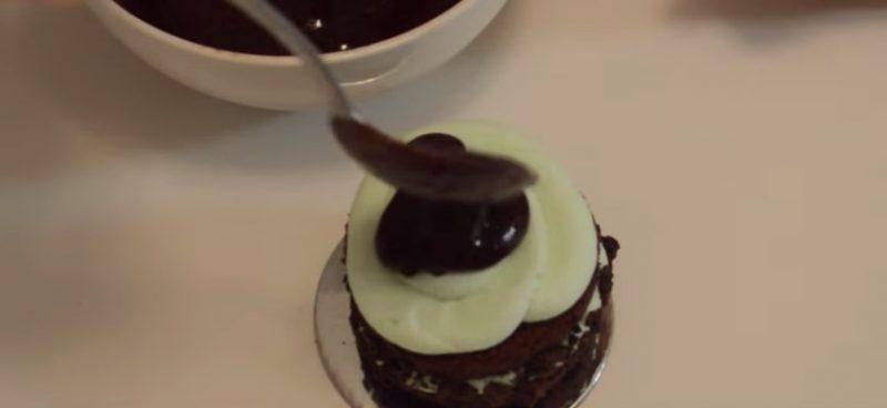 Ghiradelli Mint Chocolate Mini Cakes ganache