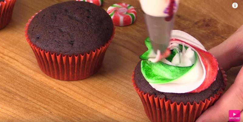 Starbucks Peppermint Mocha Cupcakes frosting
