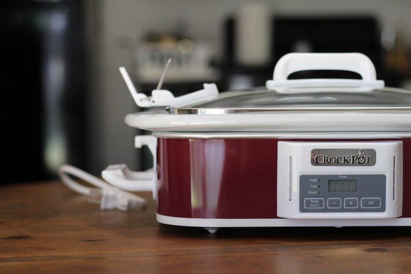 crock pot casserole 3.5 quart side blur
