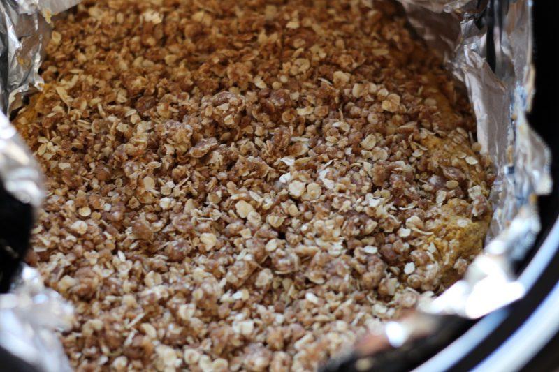 slow-cooker-pumpkin-cake-with-a-cinnamon-streusel-granola