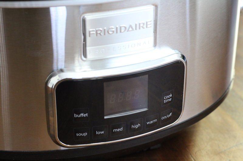 frigidaire-7-quart-slow-cooker-front-dial