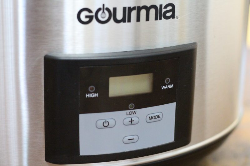 gourmia-slow-cooker-front-bright