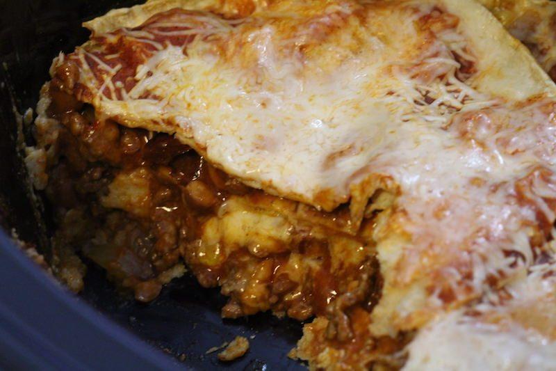 slow-cooker-enchilada-casserole-zoom-cut-cheesy