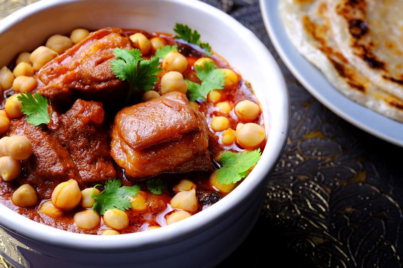 Slow Cooker Lamb and Chickpea Tandoori Stew