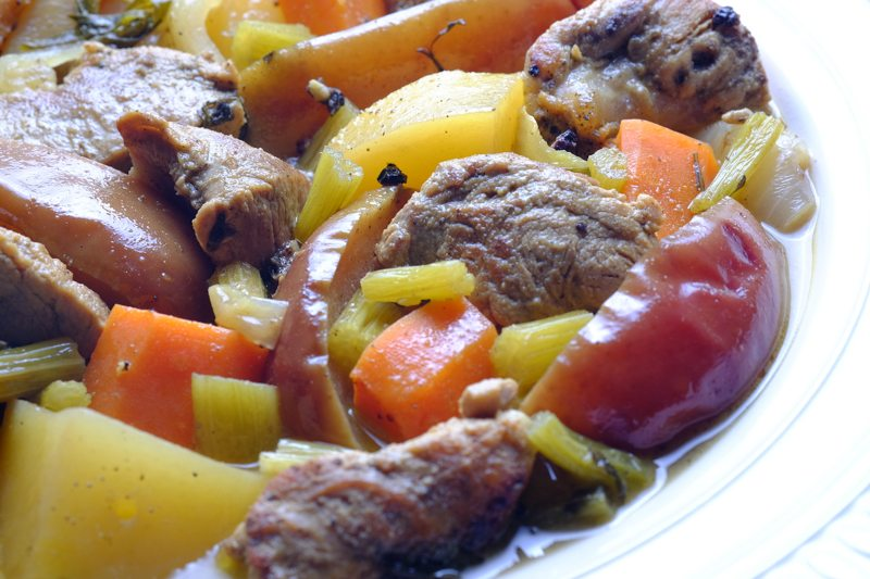 Slow Cooker Pork and Apple Stew DETAIL