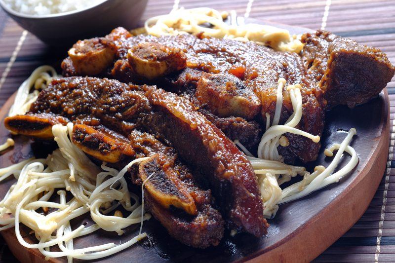 how to cook ribs in a slow cooker beef ribs