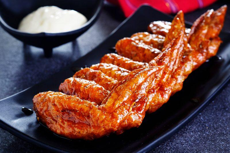 Sous Vide Honey Sriracha Wings