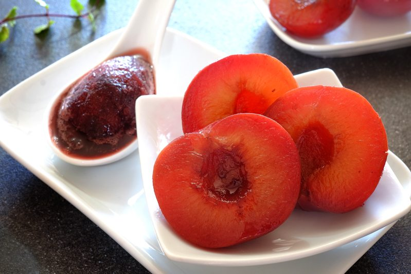 Sous Vide Plums with Red Wine Granita