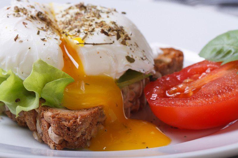 Картинки по запросу бутерброд с яйцом пашот