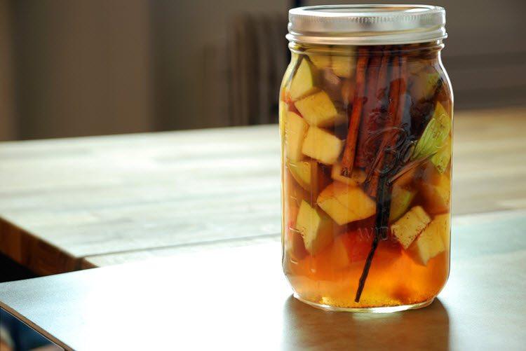 Sous Vide Apple Pie Bourbon Liqueur