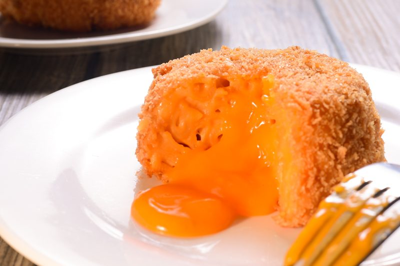 Mac and Cheese Lava Cake