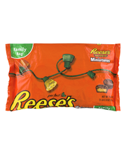 Reese's Holiday Peanut Butter Cups Miniatures 18.5 oz. Bag