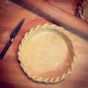 147047_my_pie_crusts_are_perfect_before_going_into_the_oven._i_fill_them_pull_of_beans_on_top_of_parchment__and_the_edges_sag_awfully._