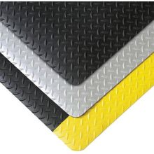 Notrax Black with Yellow Cushion Trax Mat 1 x 1 feet