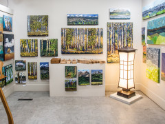 Wine, art and shopping in the Foothills Images
