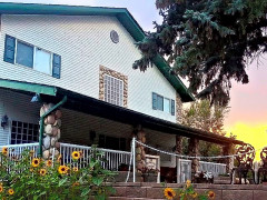 Changing Seasons Bed and Breakfast Images