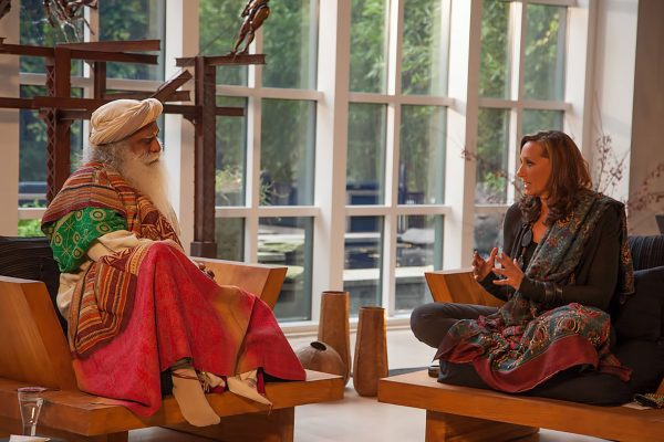 Sadhguru and Donna Karan discussing the need to preserve indigenous weaves