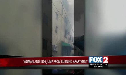 Dramatic Video: Woman & Children Escape Fire by Jumping from 4th Story