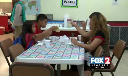 Charities Feed More 300 Meals to Undocumented Immigrants
