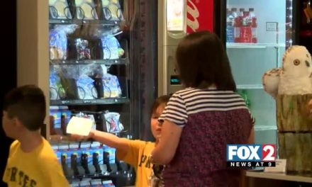 Vending Machine Offers Free Meals To Valley Kids