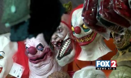 'Creepy Clown' Hits Top of Halloween Costumes List