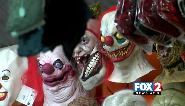 'Creepy Clown' Hits Top of Halloween Costumes List