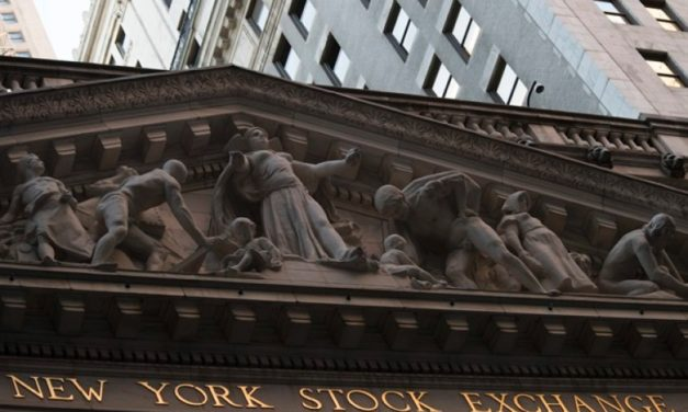 Jumping Bank Stocks Push Us Indexes Higher; Bond Yields Rise