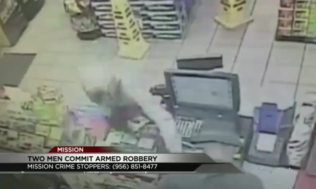 2 Armed Robbers Hold Up Gas Station