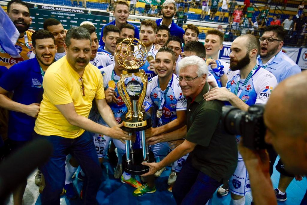 Foz Cataratas Futsal derrota o Marreco nos pênaltis e é campeão ... d2d70ae328c54