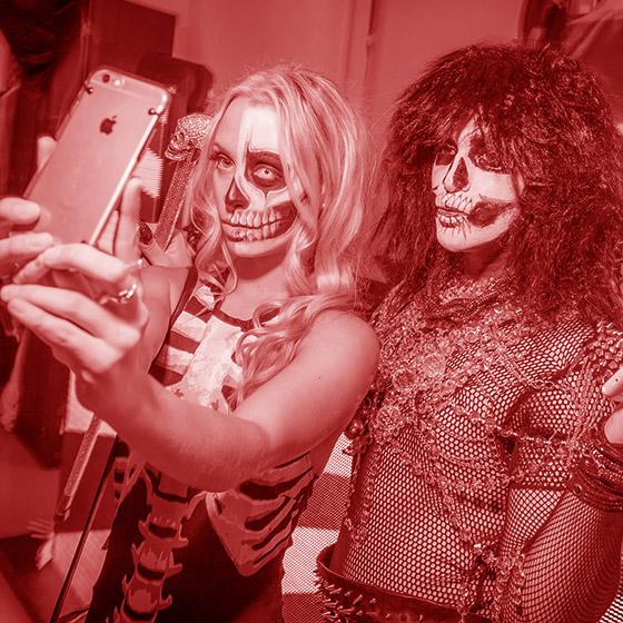 Freak Show Halloween   XL Lifestyle