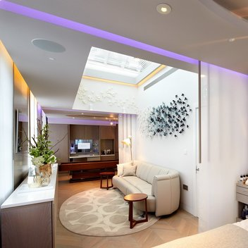 Enjoy a free Stop the Clock spa package for 2 worth £300