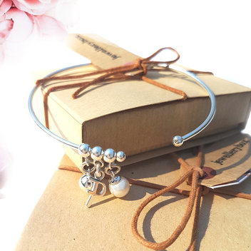 Win a jewellery box voucher