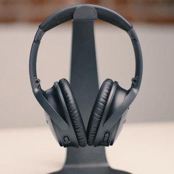 Win Bose QuietComfort 35II headphones