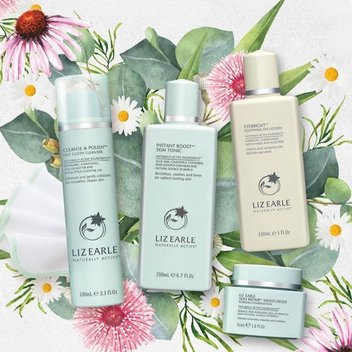 Win a Liz Earle gift set & a bundle of books this Mother's Day