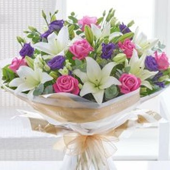 Win a beautiful bouquet from Interflora worth £100