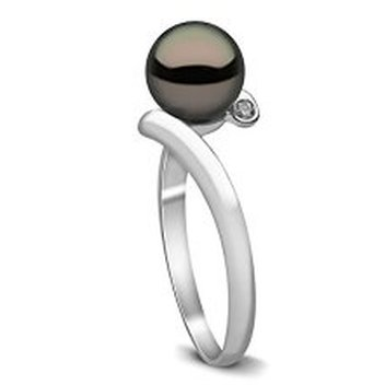 Win a Kimura Pearls Cultured Freshwater Pearl & Diamond Ring