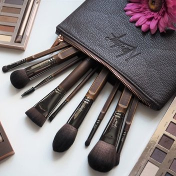 Win the Necessities Makeup Brush Collection from Nanshy