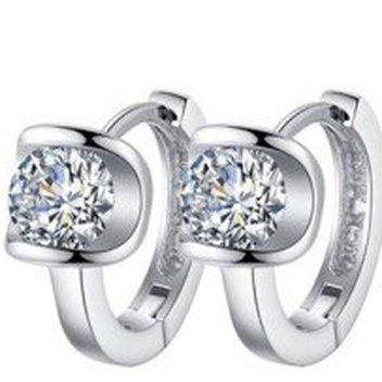 Free Diamond Kisses earrings