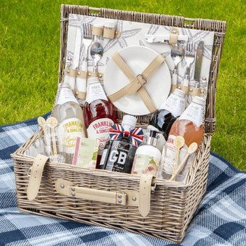 Have a free summer drink hamper from Franklin & Sons