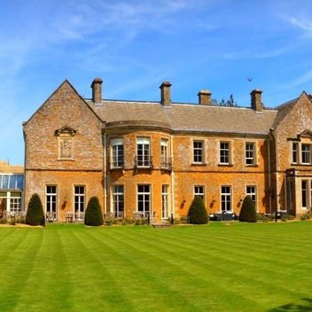 Relax with a luxury break at Wyck Hill House Hotel & Spa