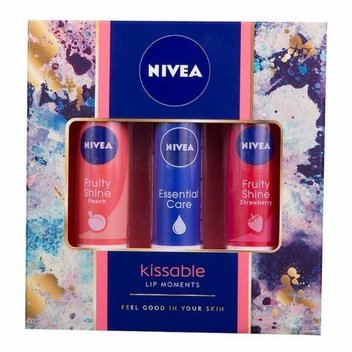 30 free Nivea Kissable Lip Moments gift sets