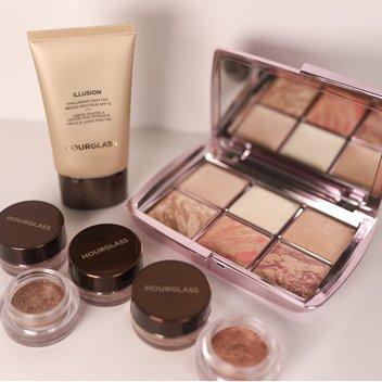 Get a free Hourglass Makeup set