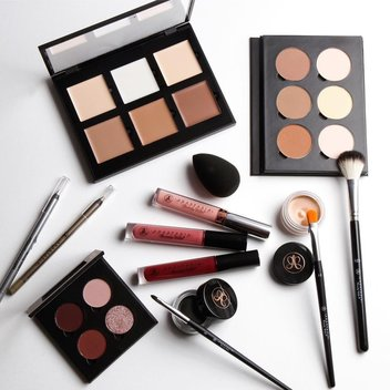 Win a fantastic beauty prize from Anastasia Beverly Hills
