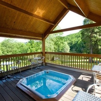 Enjoy an elegant lakeside spa break worth £940