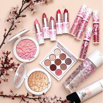 Get your hands on a MAC beauty bundle