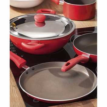 Update your kitchen equipment with free cookware