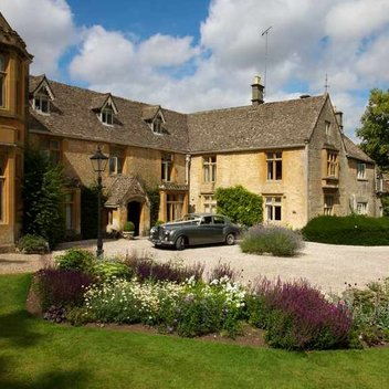Enjoy a luxury stay in the Cotswolds