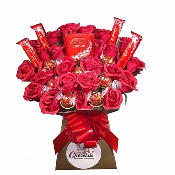 Surprise your mum with a Lindt Lindor Chocolate Bouquet