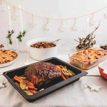 Get a free Pyrex cookware bundle